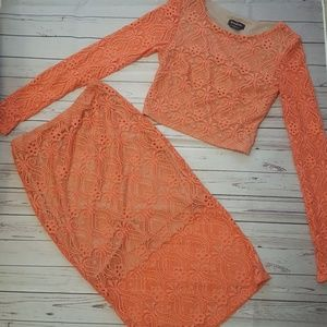 Bebe xs 2 piece lace skirt crop top set